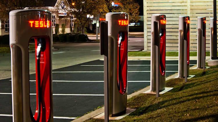 Tesla boosts Superchargers to 145 kW, backs 'fastest' claim