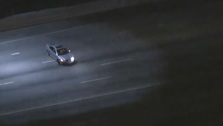 Suspect leads LAPD on slow speed chase down the 405