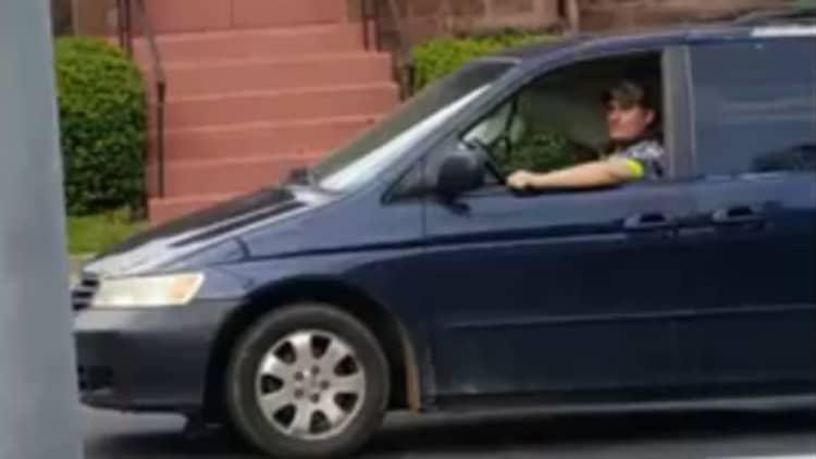Pennsylvania horse catches ride in man's minivan
