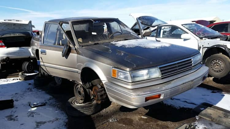 This junked, gizmo-packed 1987 Nissan Maxima is peak 1980s