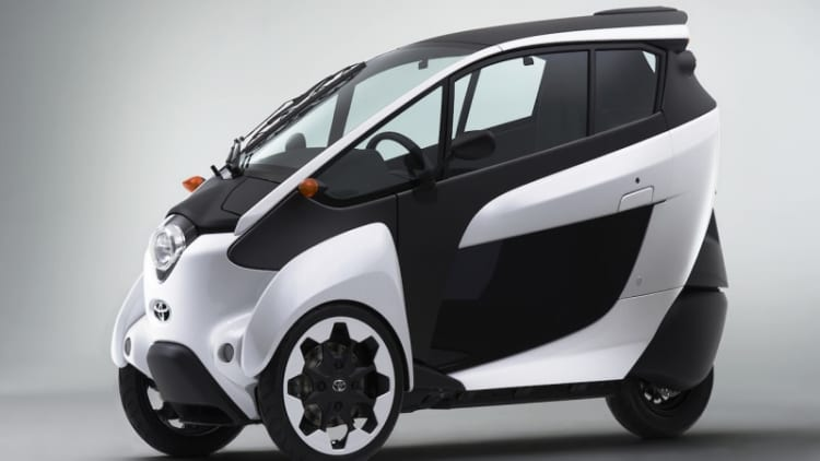 Toyota i-ROAD goes to carsharing service Park24 in Tokyo