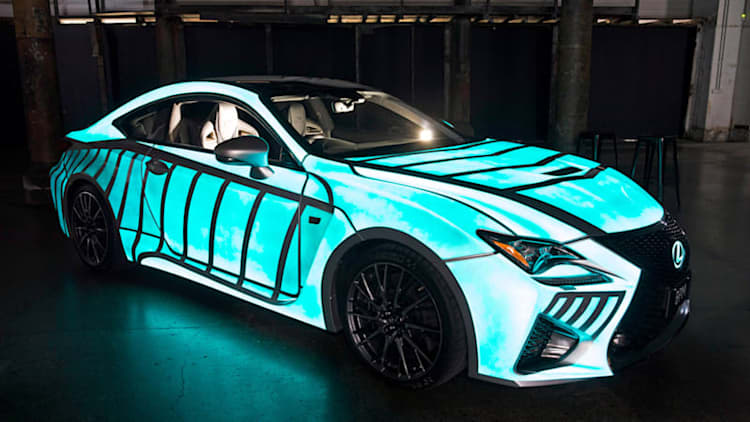Lexus RC F glows with your heartbeat