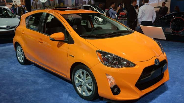 Toyota lowering Prius sticker prices in California