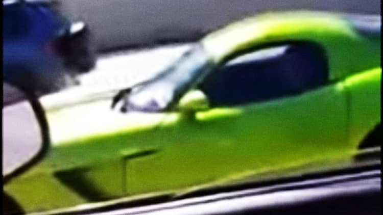 Watch a Dodge Viper driver show off his V10 all the way into a wall