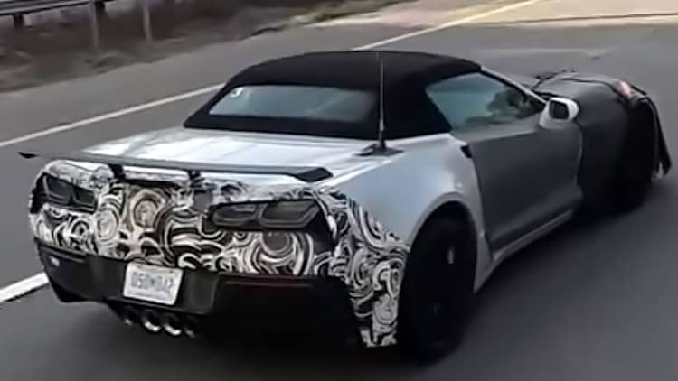 2018 Chevy Corvette ZR1 convertible prototype caught testing in highway convoy