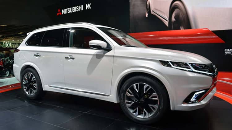 Mitsubishi Outlander PHEV Concept-S shows what a facelift can do [w/video]