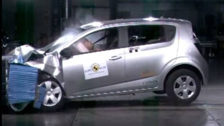 2011 Chevrolet Aveo (Sonic) nabs 5-star Euro NCAP safety rating [w/video]