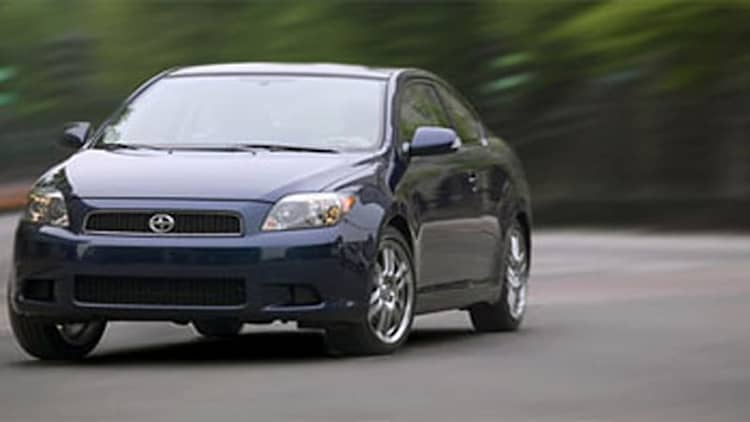 Scion recalls 30,000 tC's