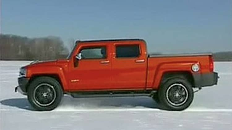 VIDEO: HUMMER H3T in the round