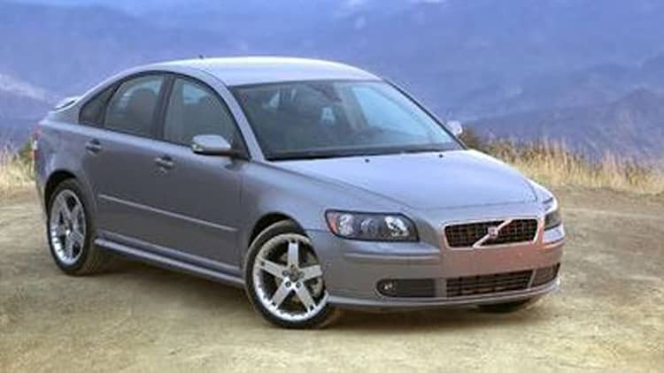 Volvo recalling 82,000 S40 and V50 models