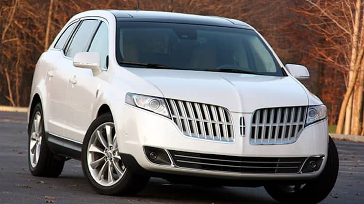 Review: 2010 Lincoln MKT EcoBoost AWD has a good personality and great moves