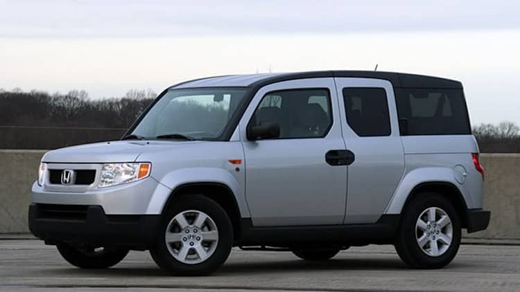 Review: 2010 Honda Element with Dog Friendly package leaves tails wagging
