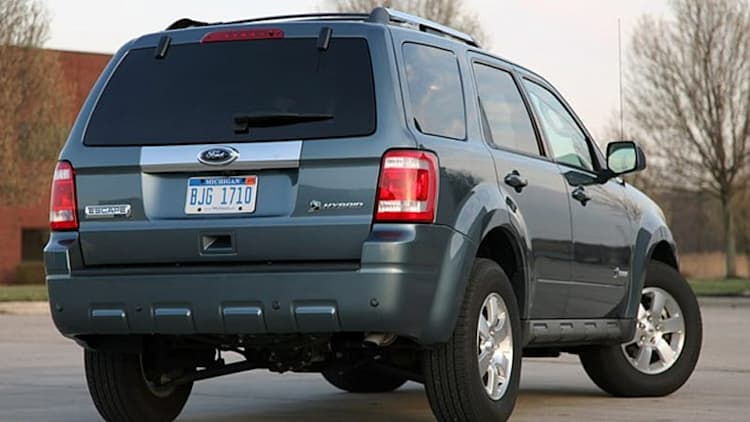 Review: 2010 Ford Escape Hybrid makes being green easy