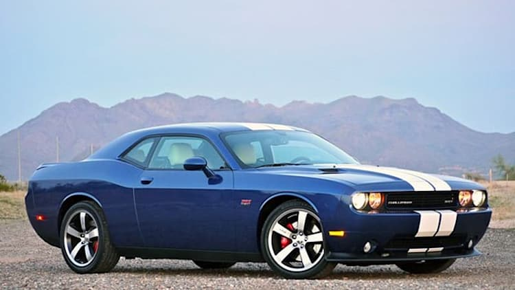 Review: 2011 Dodge Challenger SRT8 392 [w/video]