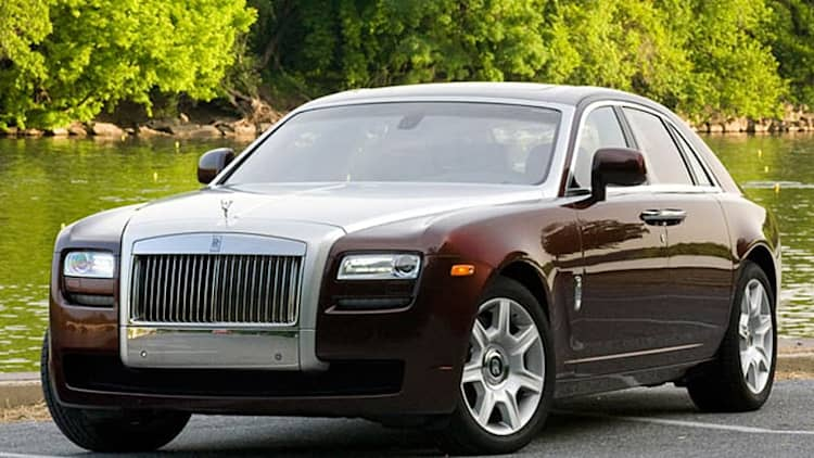 Rolls-Royce recalling 2010 Ghost over possible engine fires