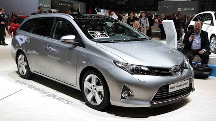 Toyota Auris Touring Sports is a handsome Prius V alternative [w/videos]