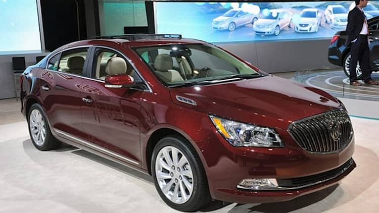 2014 Buick LaCrosse steps up to the big leagues with plenty of luxury [w/videos]