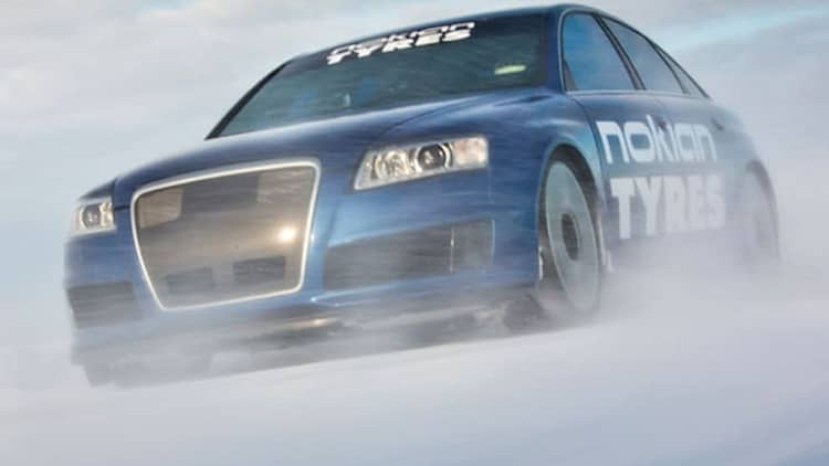Watch this Audi RS6 go 208 mph... on ice