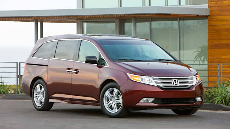 Honda recalling 641,302 Odysseys for second row latch issues