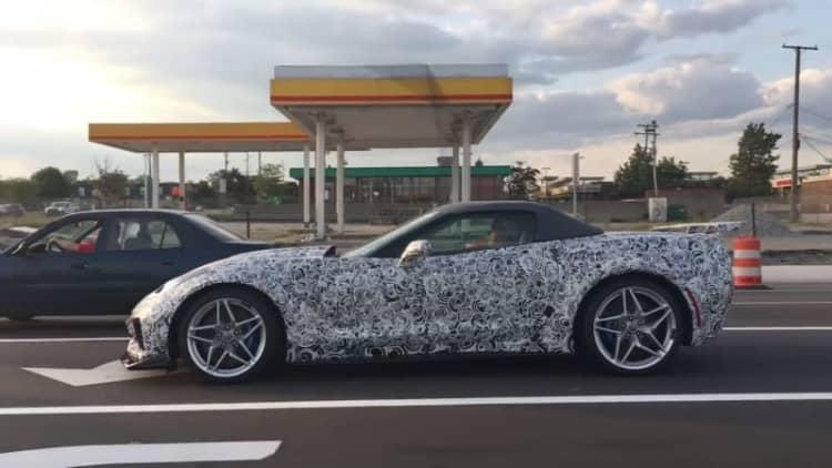 My, what a big hood the Chevrolet Corvette ZR1 has