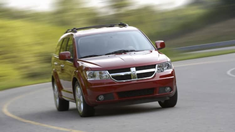 Chrysler recalls 112k family-haulers over airbag controllers