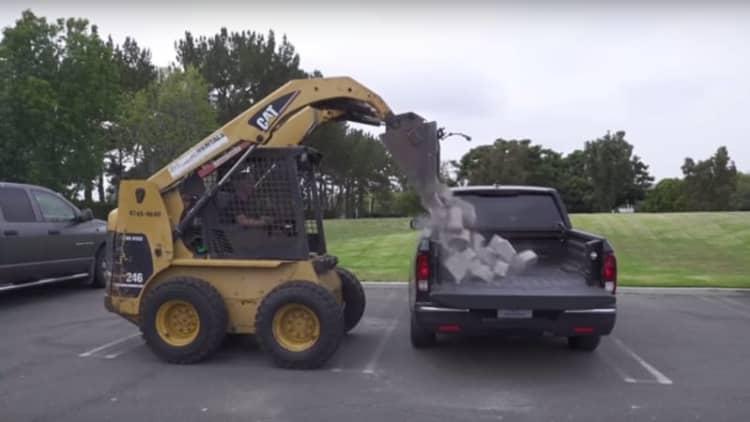 2017 Honda Ridgeline enters the landscape block war