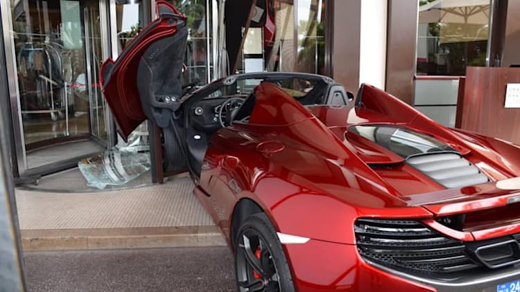 A McLaren MP4-12C Spider fails to fit through this French hotel's doors