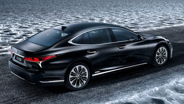 Lexus rounds out the LS line with 500h hybrid