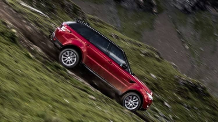 The 2017 Range Rover Sport conquers the Inferno ski course at 96 mph