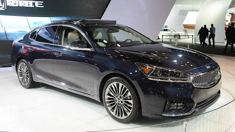 Unsurprisingly, the 2017 Kia Cadenza's price undercuts its competition