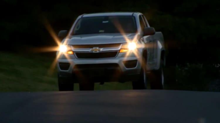 Ford F-150, Chevy Silverado, Toyota Tundra flunk IIHS headlight test