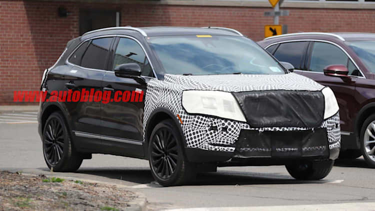 Lincoln MKC crossover adopts the Continental's grille