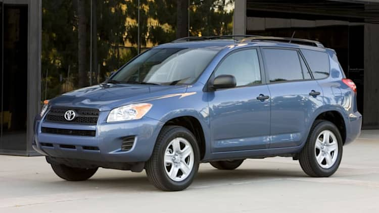 Toyota recalls 337,000 RAV4s and HS250h models for tie rod failure