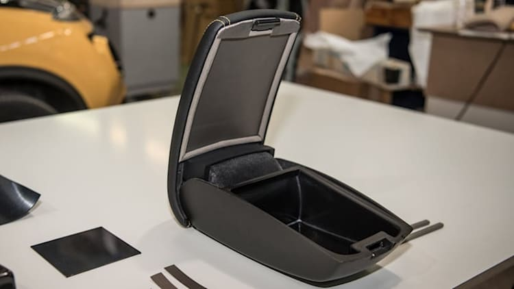 Nissan armrest puts your smartphone in a cone of silence