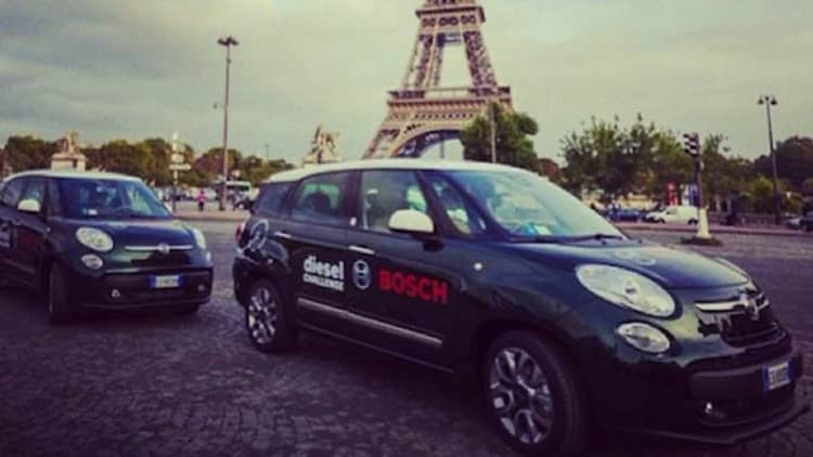 Fiat 500L Living diesel fleet goes from Turin to Paris on a single tank