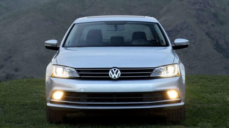 VW recalls 25k Jettas over low-beam headlight issue