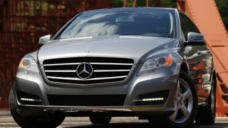 Mercedes moves R-Class production to AM General in Indiana