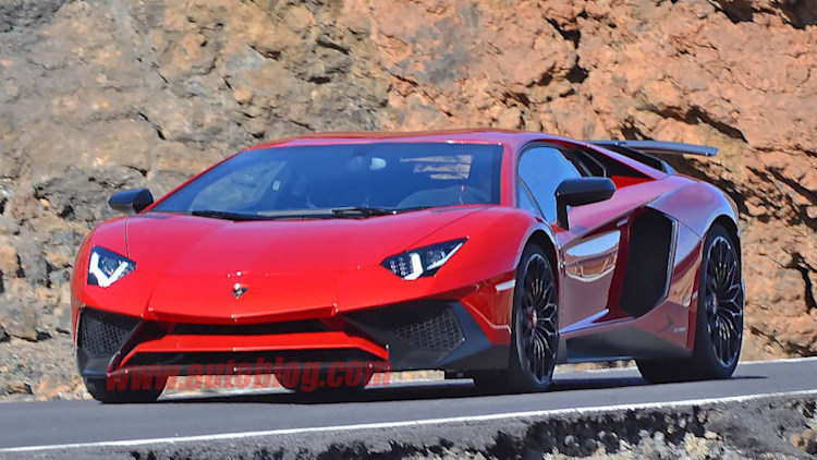 Lamborghini spotted filming new Aventador SV completely undisguised