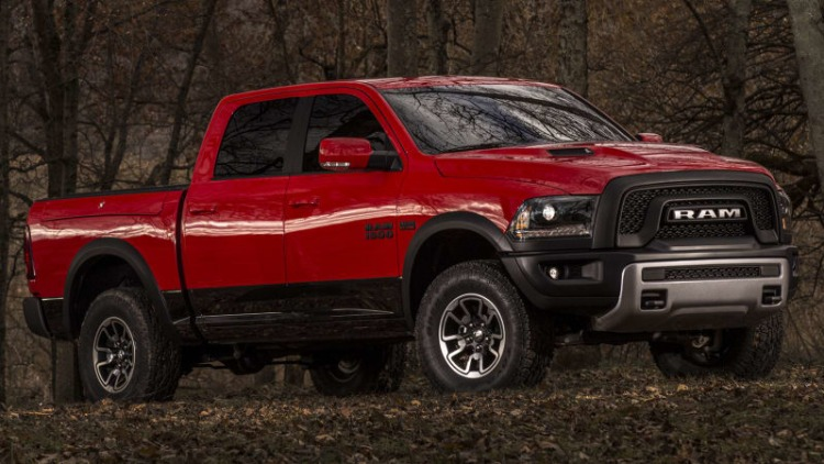 2015 Ram 1500 Rebel drops the crosshairs, muscles in with new snout