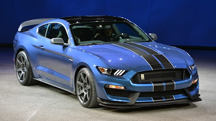 Ford Mustang GT350R adds a lot more than just a new letter [w/videos]