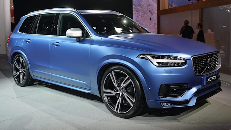 Volvo XC90 R-Design is a sporty looking Swede in Detroit