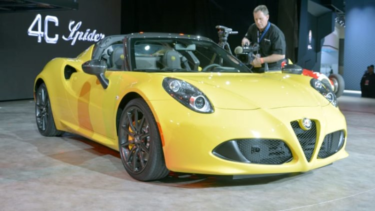 Alfa Romeo 4C Spider brings roofless Italian performance to the well-heeled masses