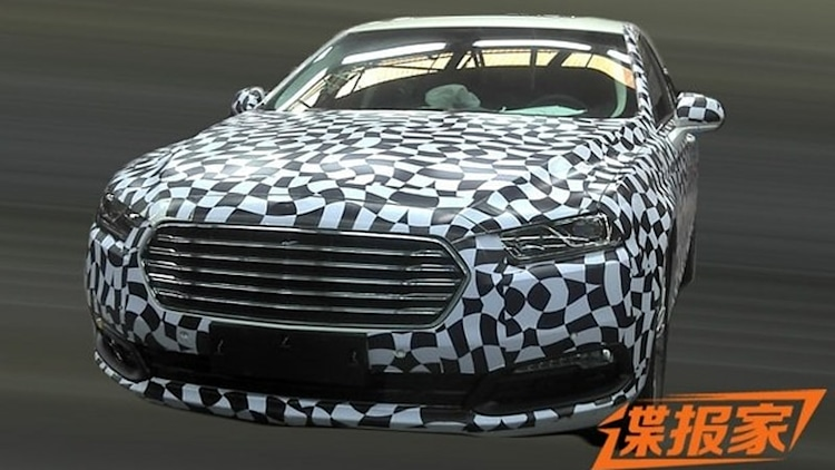 Next-gen Ford Taurus spotted in China