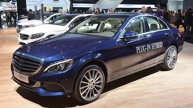 Mercedes-Benz C350 Plug-In Hybrid promises 20 miles EV range, 5.9 seconds to 60