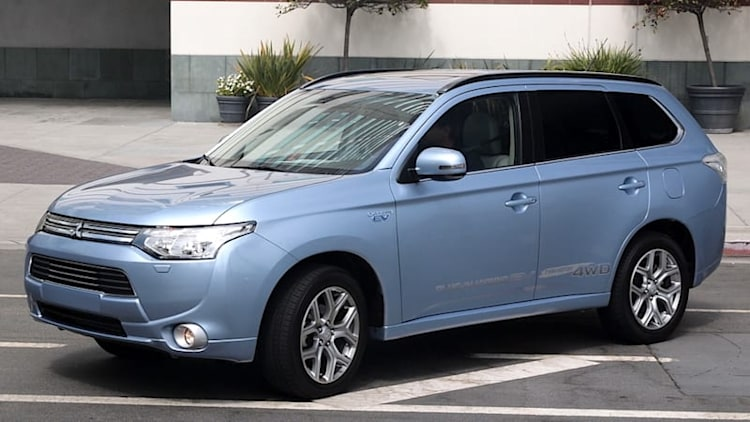Mitsubishi Outlander PHEV delayed until early 2016 in US