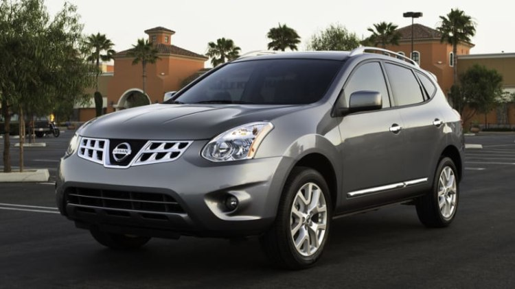 Nissan recalls 640k crossovers for wiring issue, hood release
