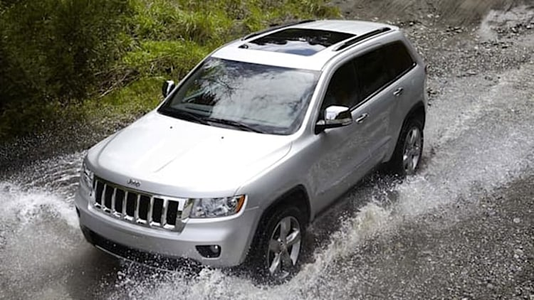Chrysler investigating complaints of vehicles with faulty power modules