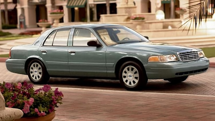 Ford recalling 370,000 Crown Vic, Grand Marquis and Town Car models