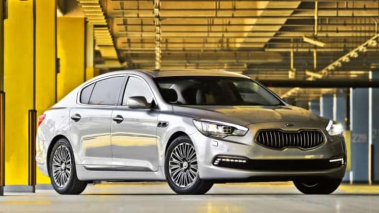 Kia dealers report K900 flagship RWD sedan is coming to US