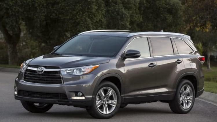 2014 Toyota Highlander recalled over seatbelt anchors